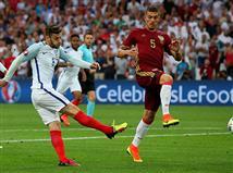 אדם ללאנה. היה מהשחקנים הבולטים של אנגליה במחצית הראשונה (getty)