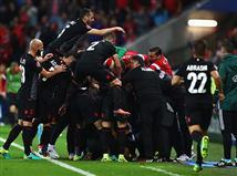 תמונת המשחק שלנו - שיכרון חושים אלבני אחרי הניצחון האדיר (getty)