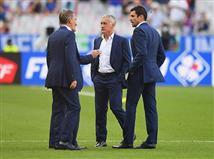 אם צרפת תזכה, דשאן יהיה המאמן הראשון שזוכה ביורו כשחקן וכמאמן