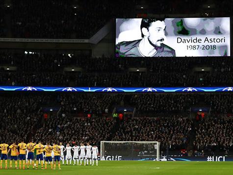 צפו: הטקס לזכרו של אסטורי לפני המשחק