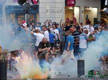 עוד תמונה מהטירוף בדרום צרפת. על פי הדיווחים, גם אוהדי מארסיי מעורבים במהומה (צילום: טוויטר))