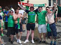 האוהדים הצפון אירים בפעם הראשונה יראו את הנבחרת שלהם משחקת בטורניר גדול (gettyimages)