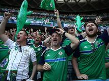 אוהדי צפון אירלנד המשיכו לעודד למרות היכולת של נבחרתם (gettyimages)