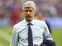 אל תיבהלו, הוא פרשן בטלוויזיה הצרפתית ולא בא להציע לשחקנים חוזה בארסנל