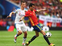 <STRONG>הפסקה בטולוז</STRONG>. ספרד מנסה, אבל חסר לה מחץ בהתקפה